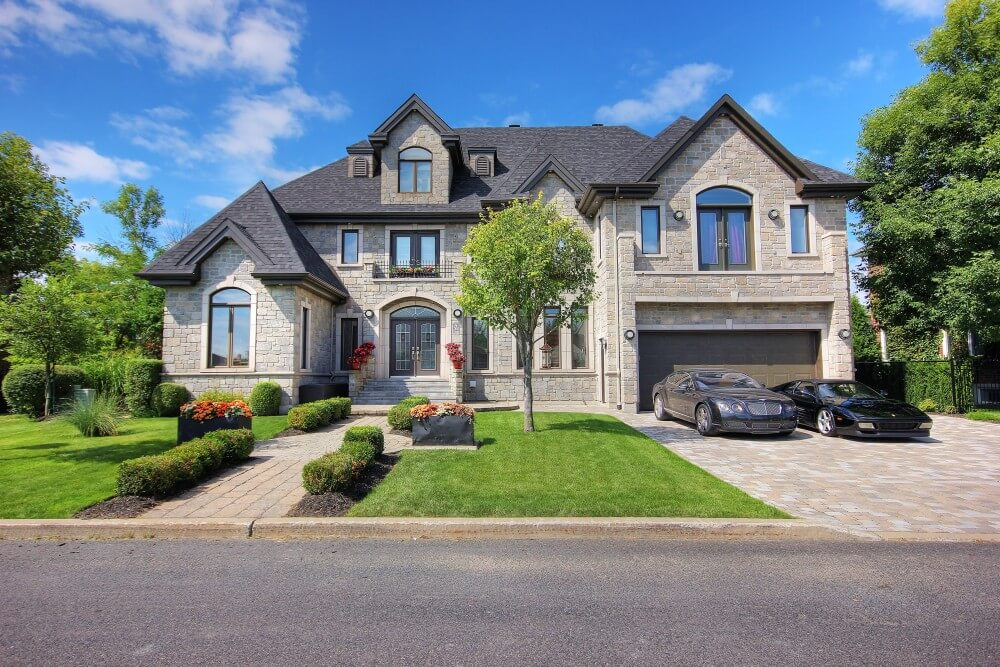 High-end 2-storey house in stone
