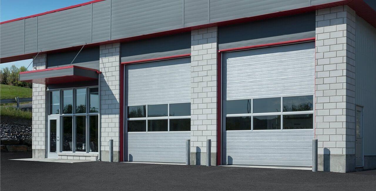 Modèle de portes commerciales: G-5000, 12' x 14', Argent