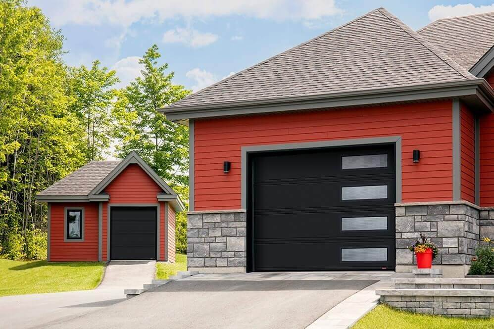 Garage door is Moderno 2 beads, 6' x 7' and 10' x 8', Black, window layout: Right-side Harmony