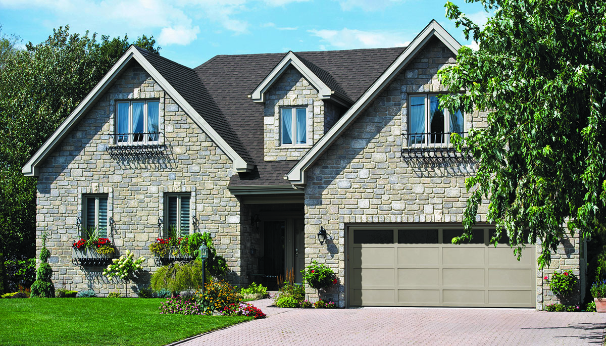 Cambridge CL, 16' x 7', Claystone door and overlays, Clear Panoramic windows