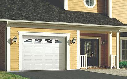 Classique CC, 9' x 7', Blanc glacier, fenêtres avec Appliques Williamsburg
