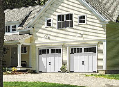 Eastman E-13, 9' x 7', portes et moulures Blanc glacier, fenêtres Panoramique 4 rectangles